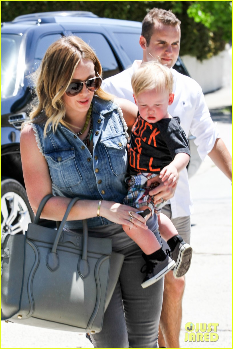 hilary duff birthday parties with baby luca 042856877