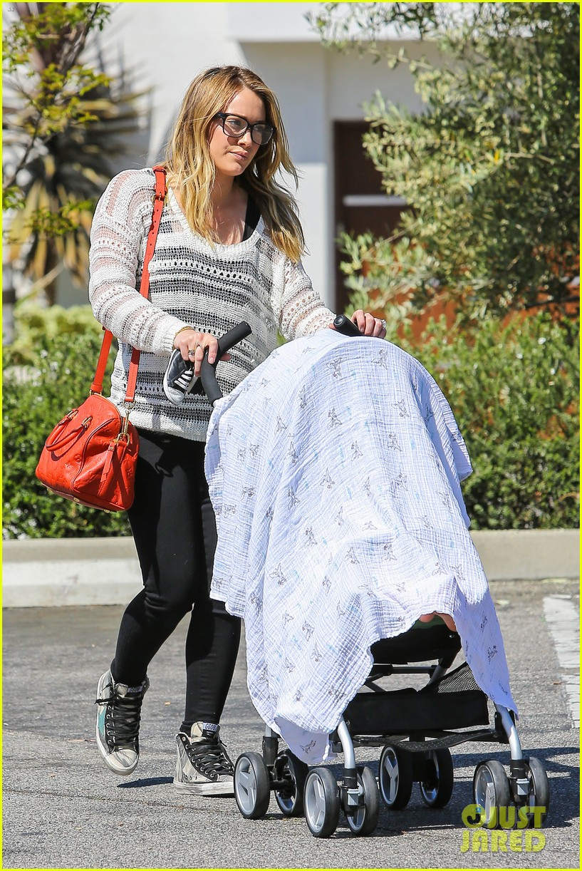 hilary duff birthday parties with baby luca 052856878