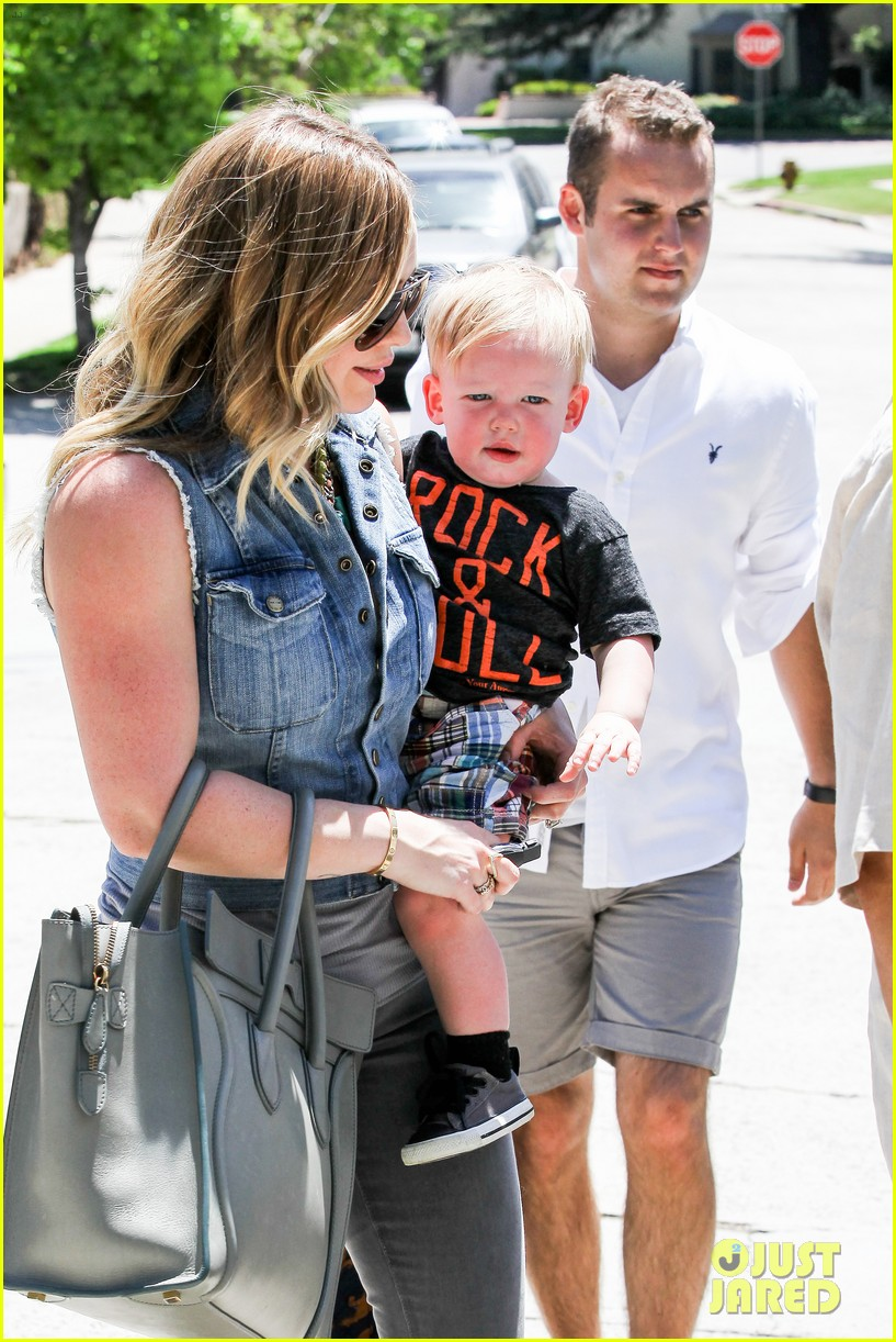 hilary duff birthday parties with baby luca 172856890