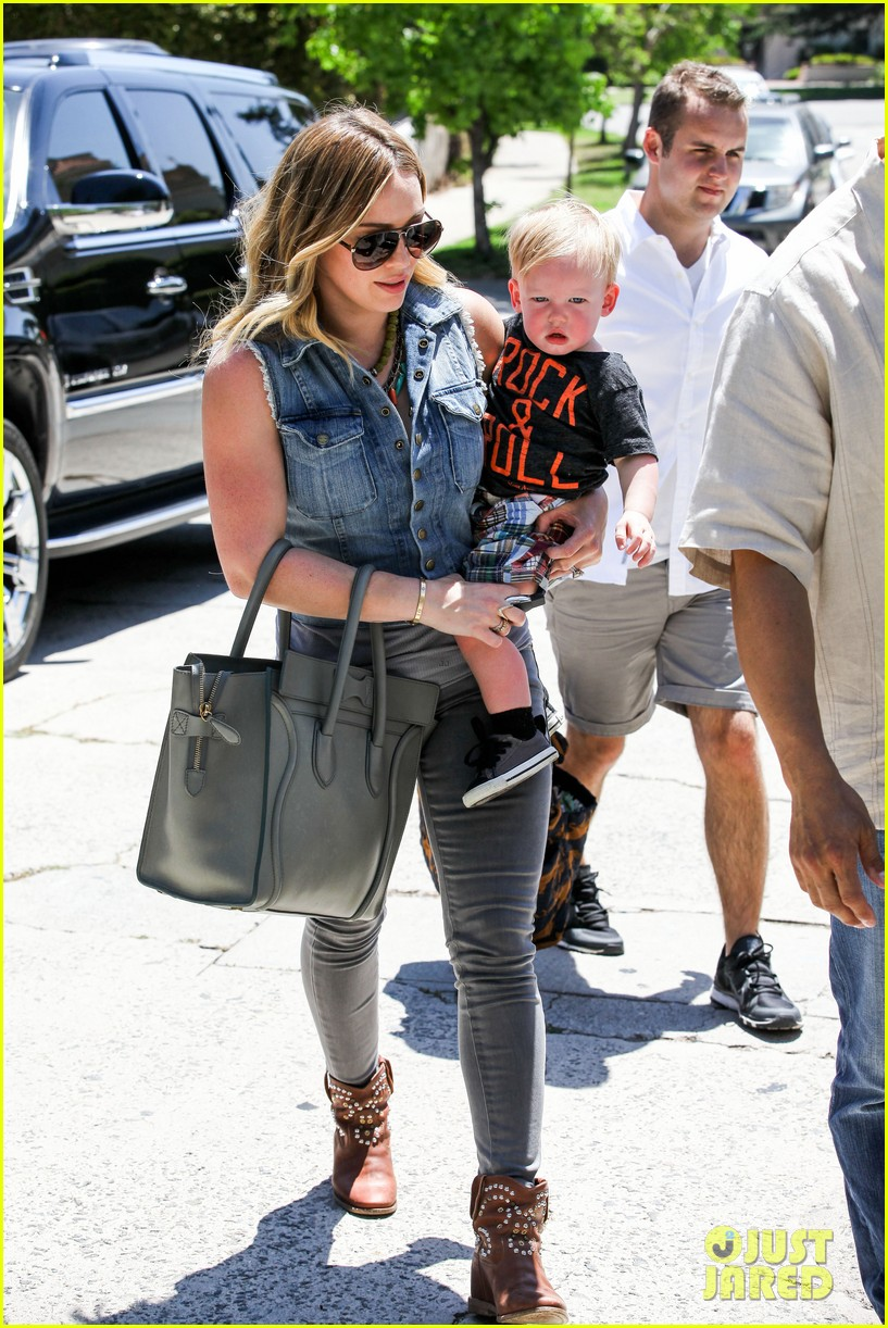 hilary duff birthday parties with baby luca 182856891
