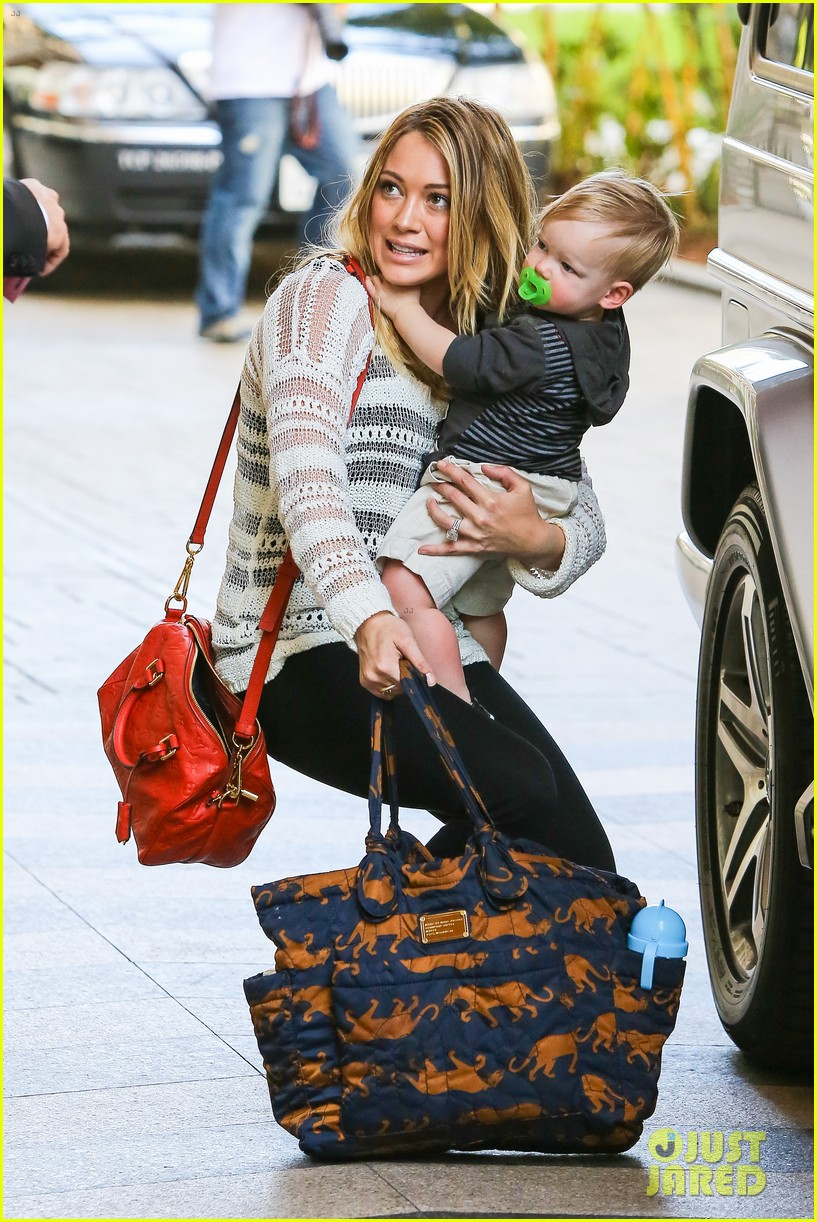 hilary duff birthday parties with baby luca 322856905