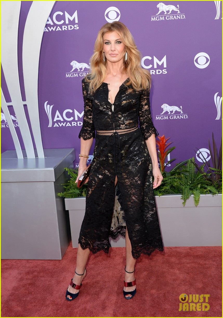 faith hill tim mcgraw acm red carpet 2013 012845197
