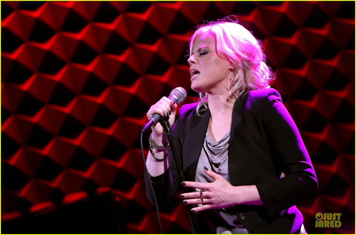 megan hilty joes pub showcase 062856977