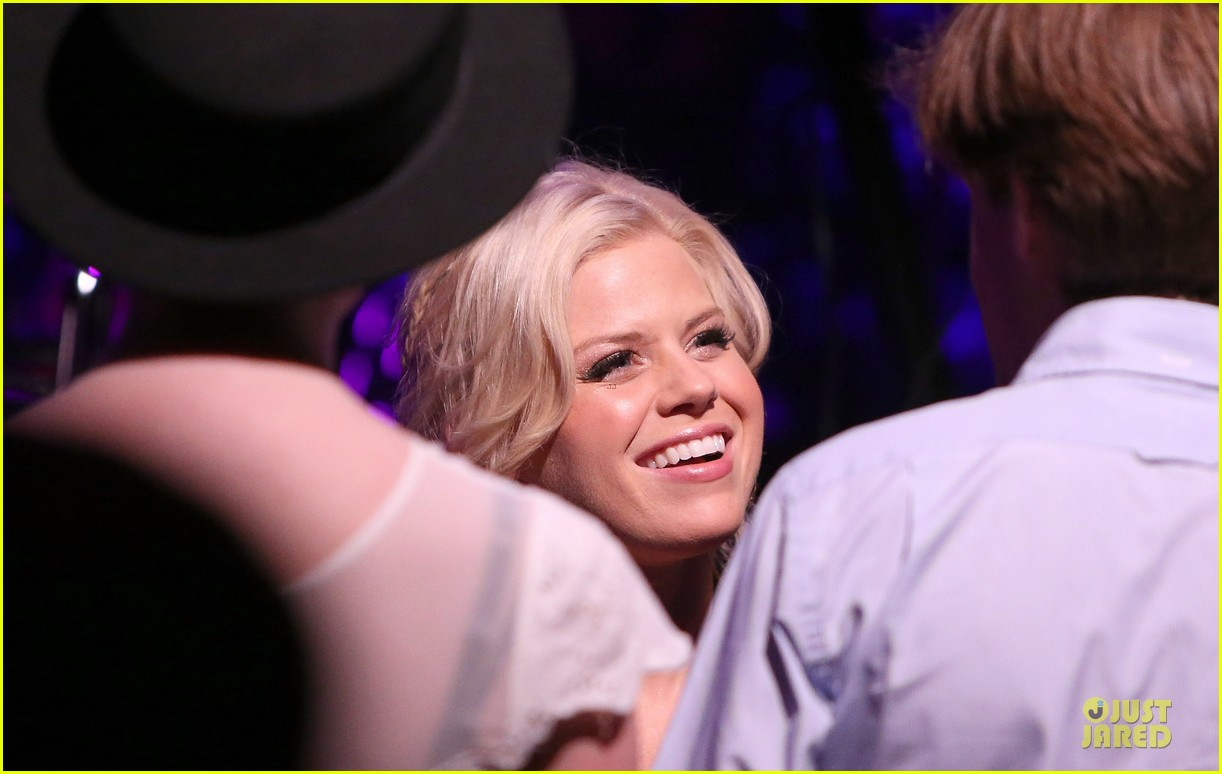 megan hilty joes pub showcase 092856980