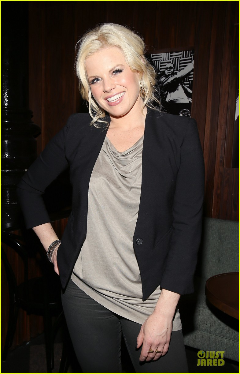 megan hilty joes pub showcase 112856982