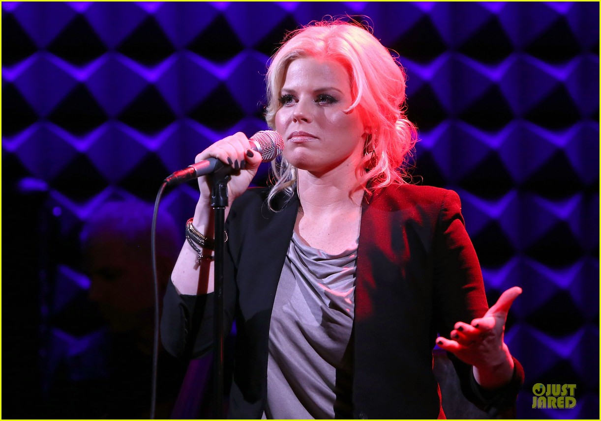 megan hilty joes pub showcase 13