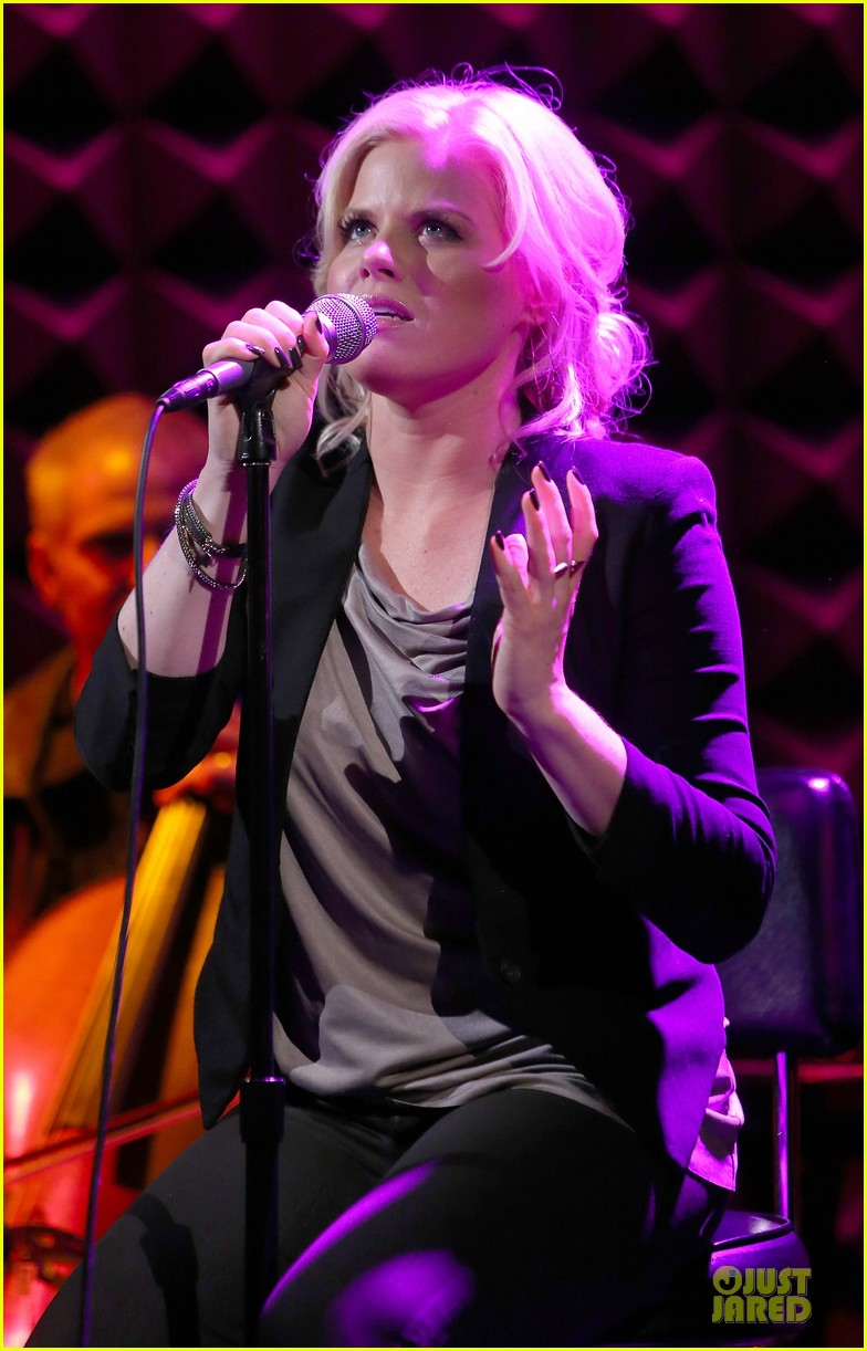 megan hilty joes pub showcase 152856986