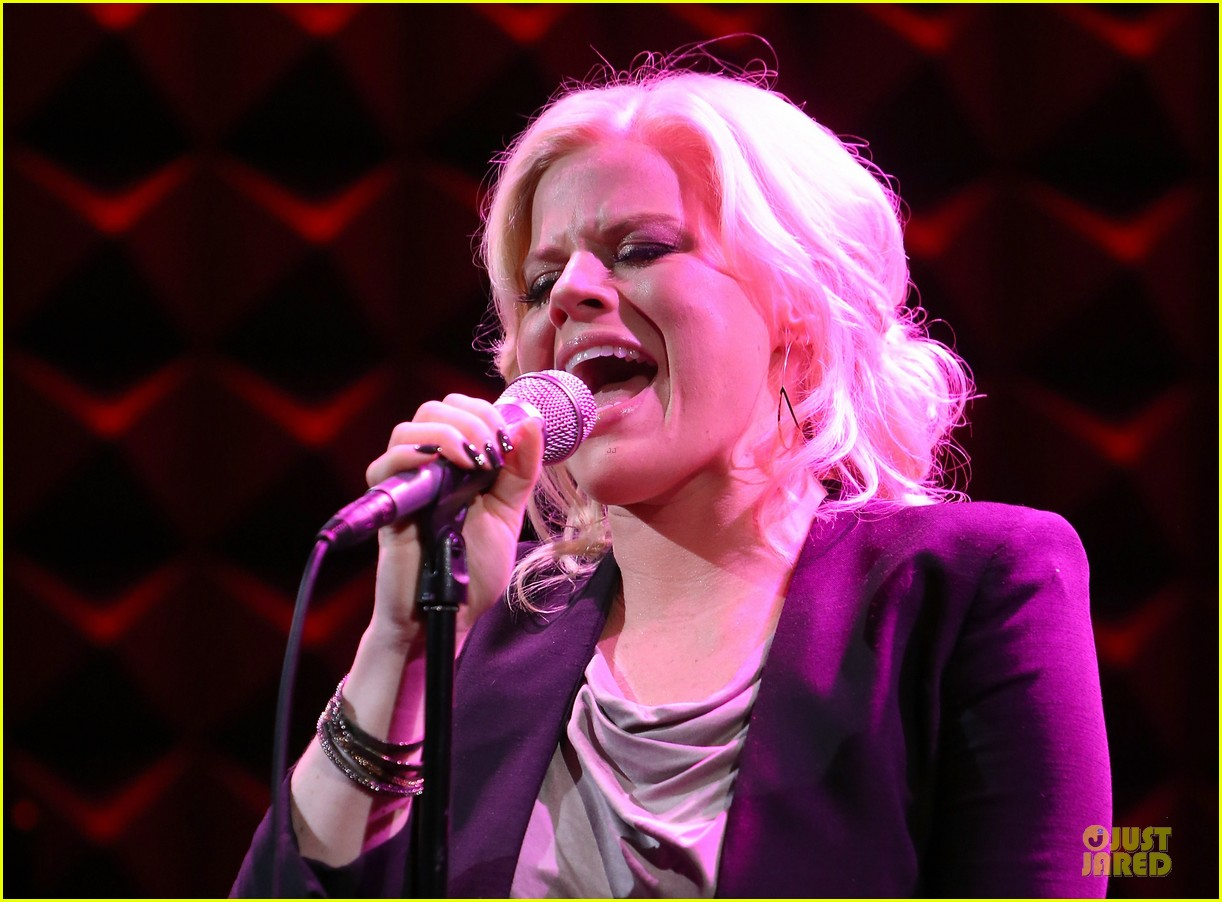 megan hilty joes pub showcase 172856988