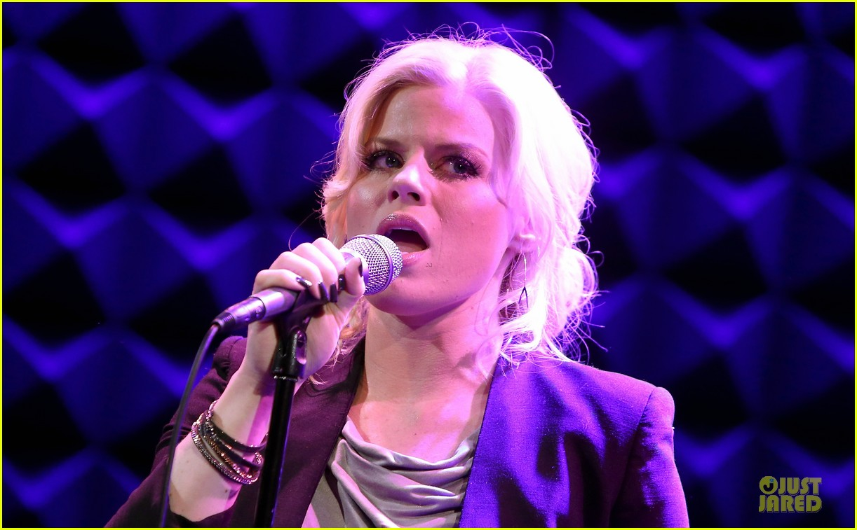 megan hilty joes pub showcase 272856998