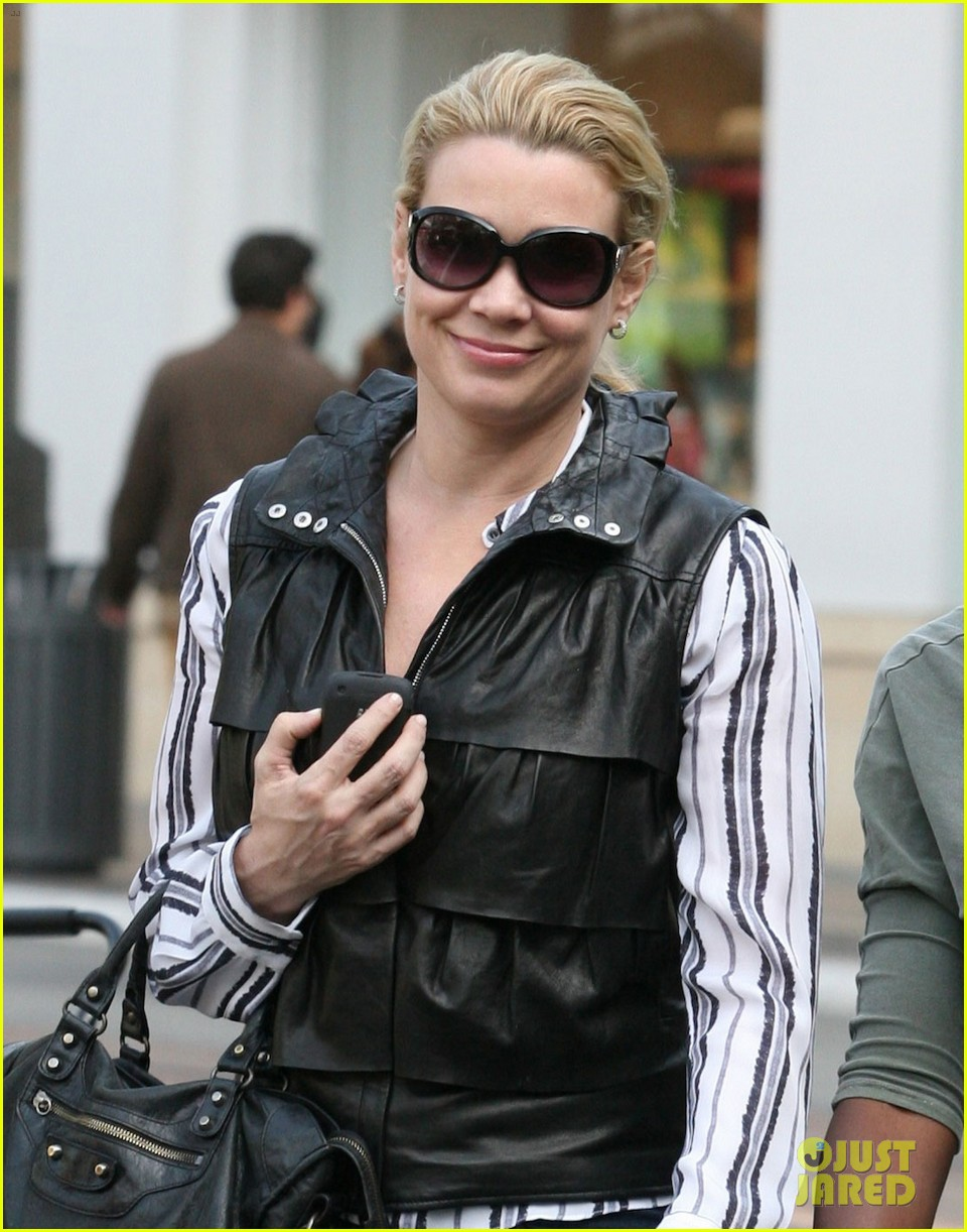 laurie holden danai gurira gal pals at the grove 032845589
