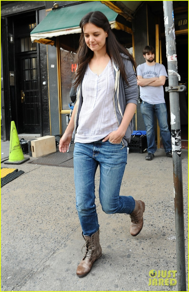 katie holmes filming new movie with spike lee 032847098