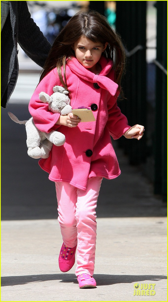 katie holmes suri nail salon after seventh birthday celebration 112854241