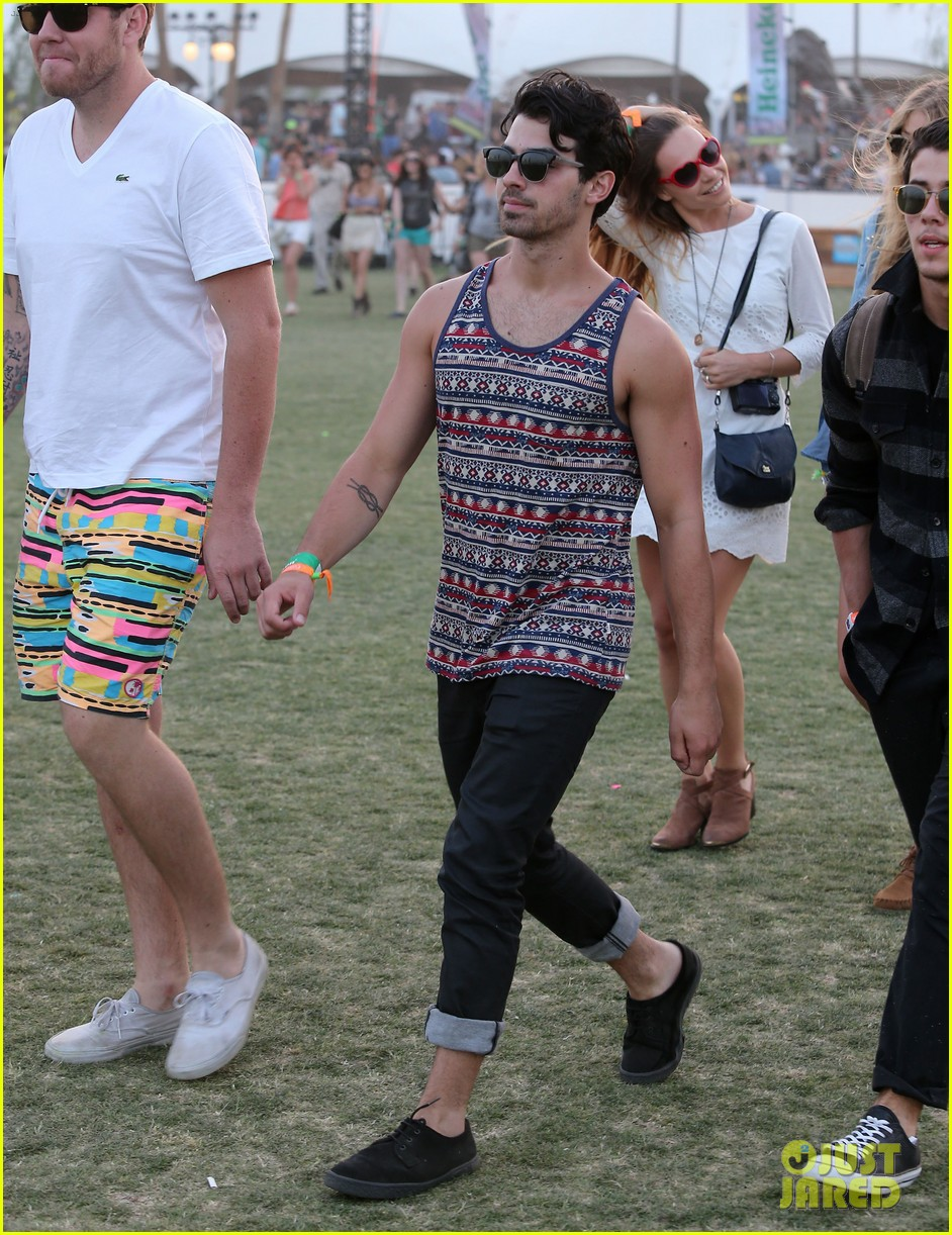 julianne hough jared leto coachella day 3 roundup 162850580