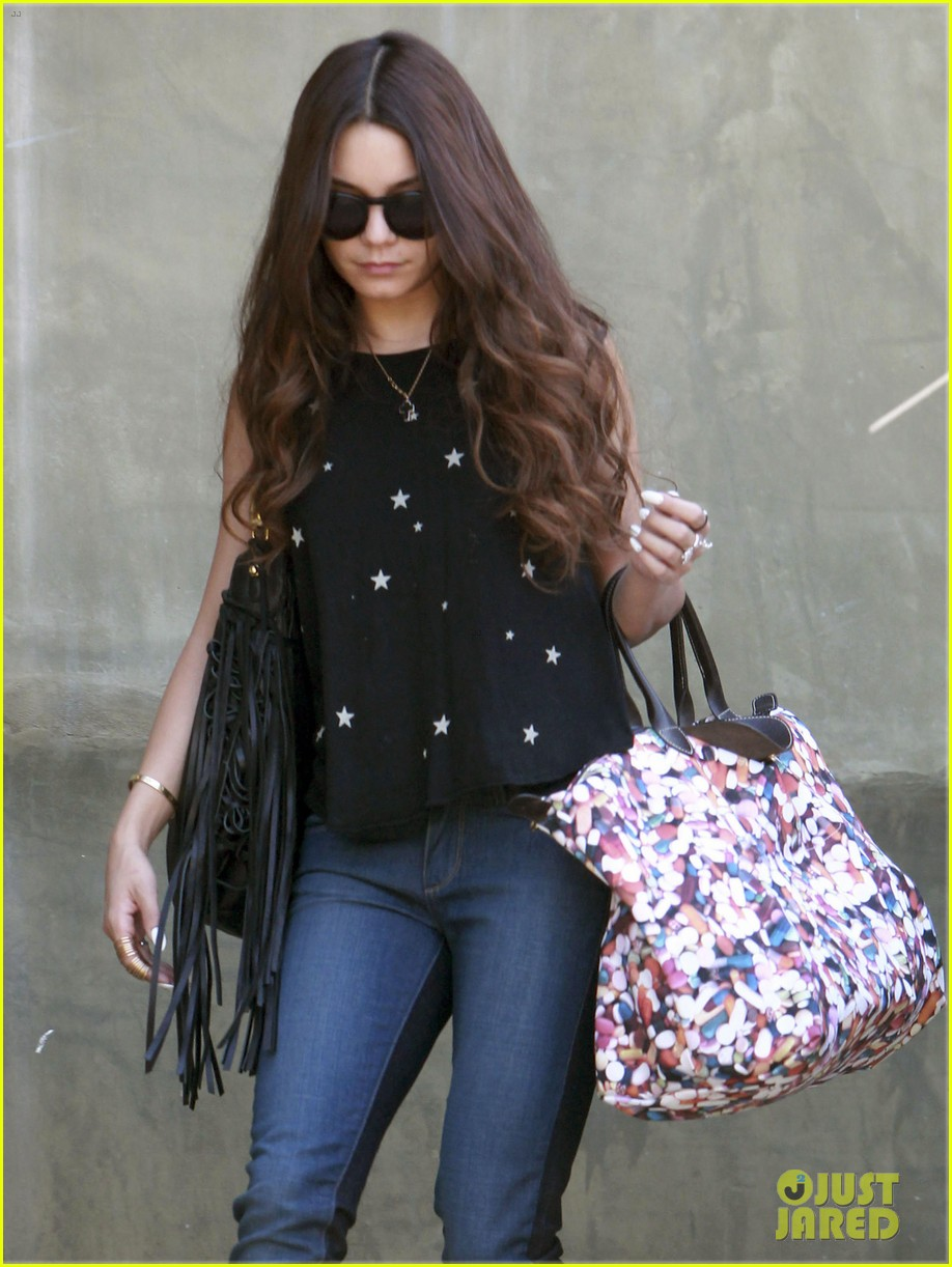 vanessa hudgens austin butler take flight in burbank 062859701