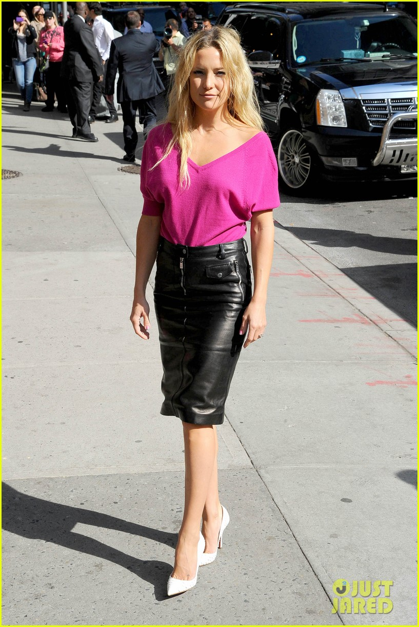 kate hudson late show with david letterman 01