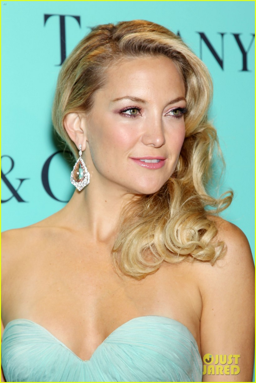 kate hudson carey mulligan tiffany blue book gala 132853098