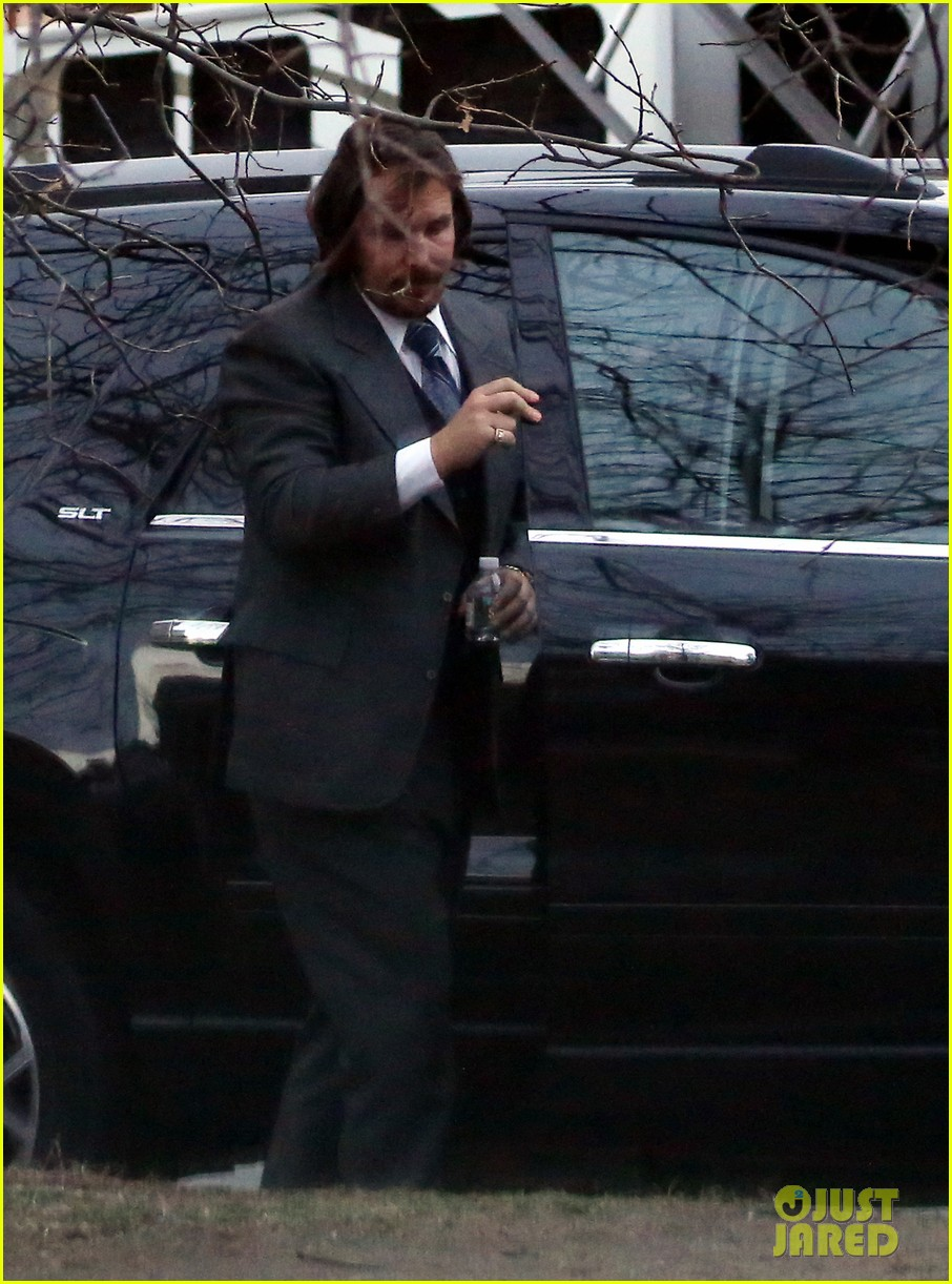 christian bale boston manhunt halts american hustle production 012853594
