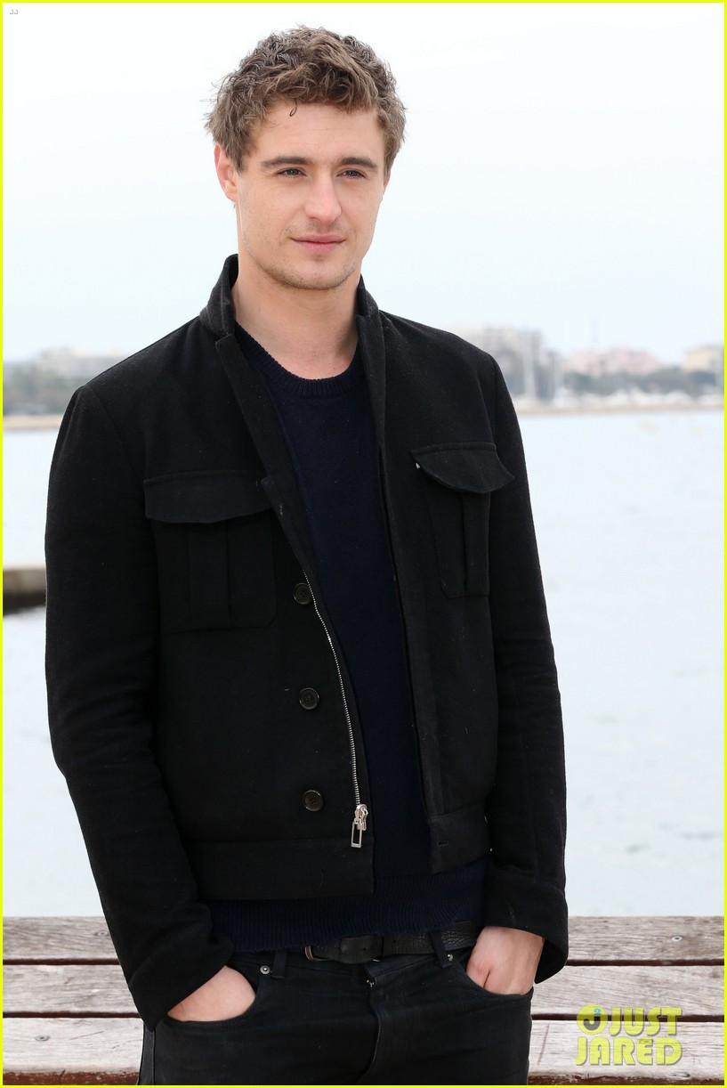 max irons white queen photo call at miptv in cannes 012845579