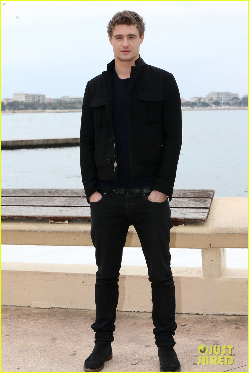 max irons white queen photo call at miptv in cannes 032845581
