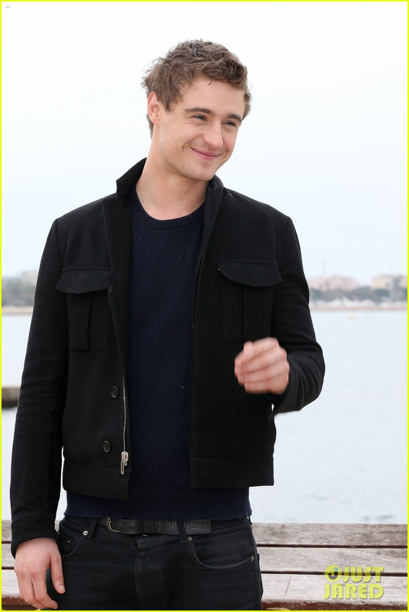 max irons white queen photo call at miptv in cannes 082845586