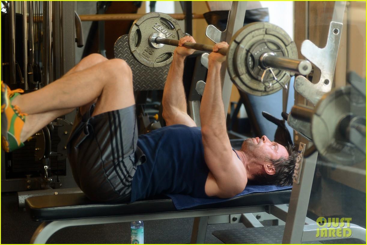 hugh jackman bulging bicep workout 092847030