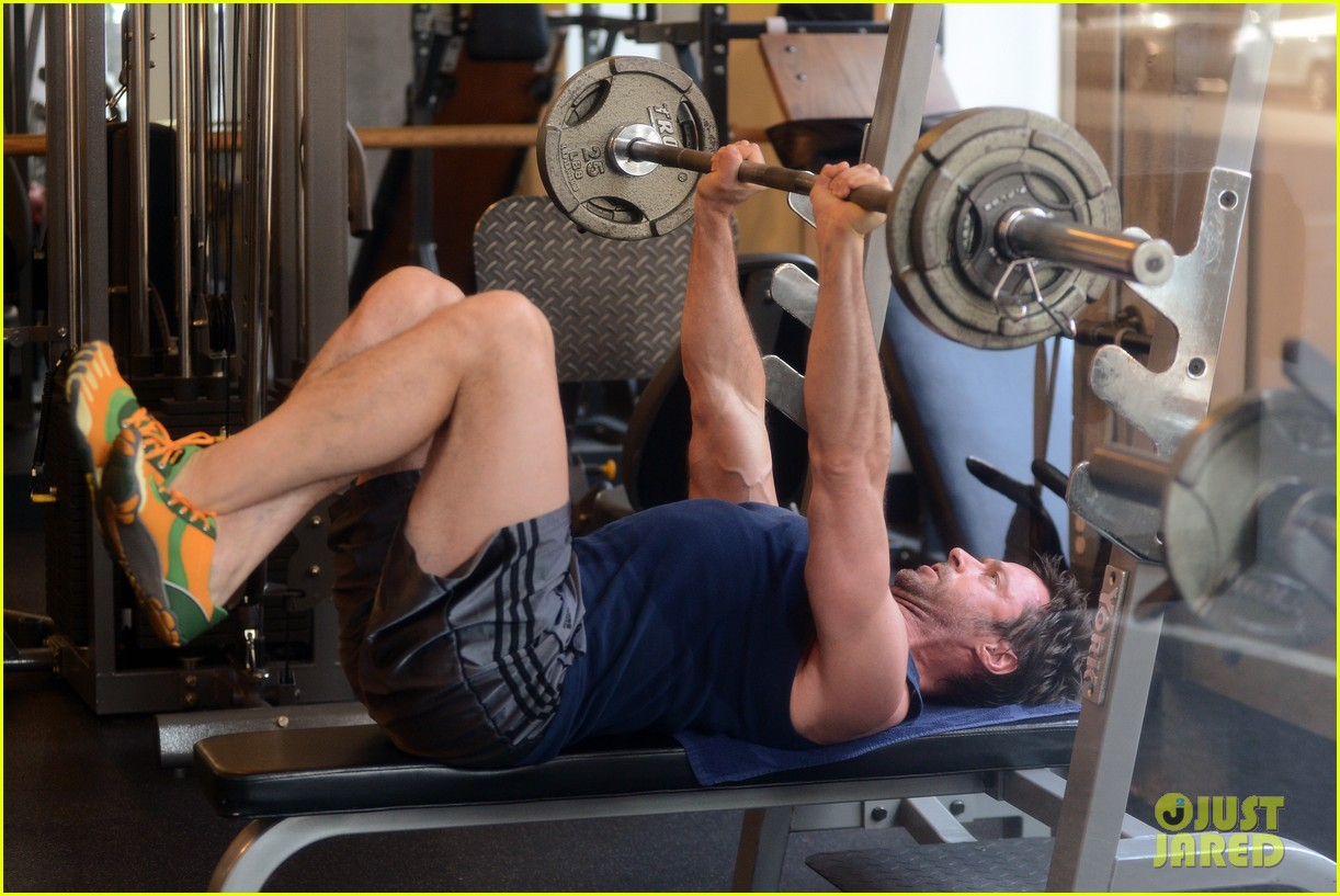 hugh jackman bulging bicep workout 132847034