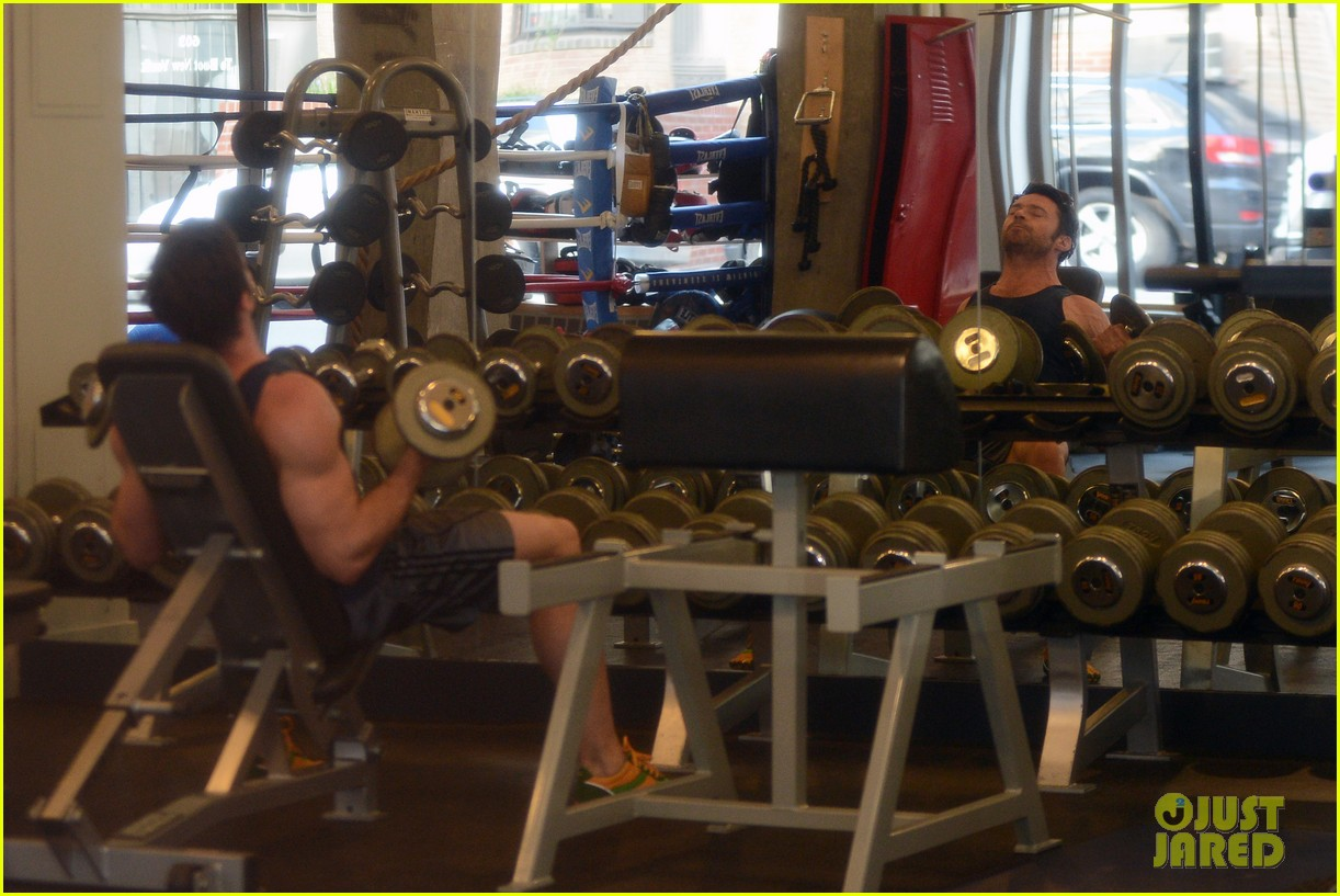 hugh jackman bulging bicep workout 15
