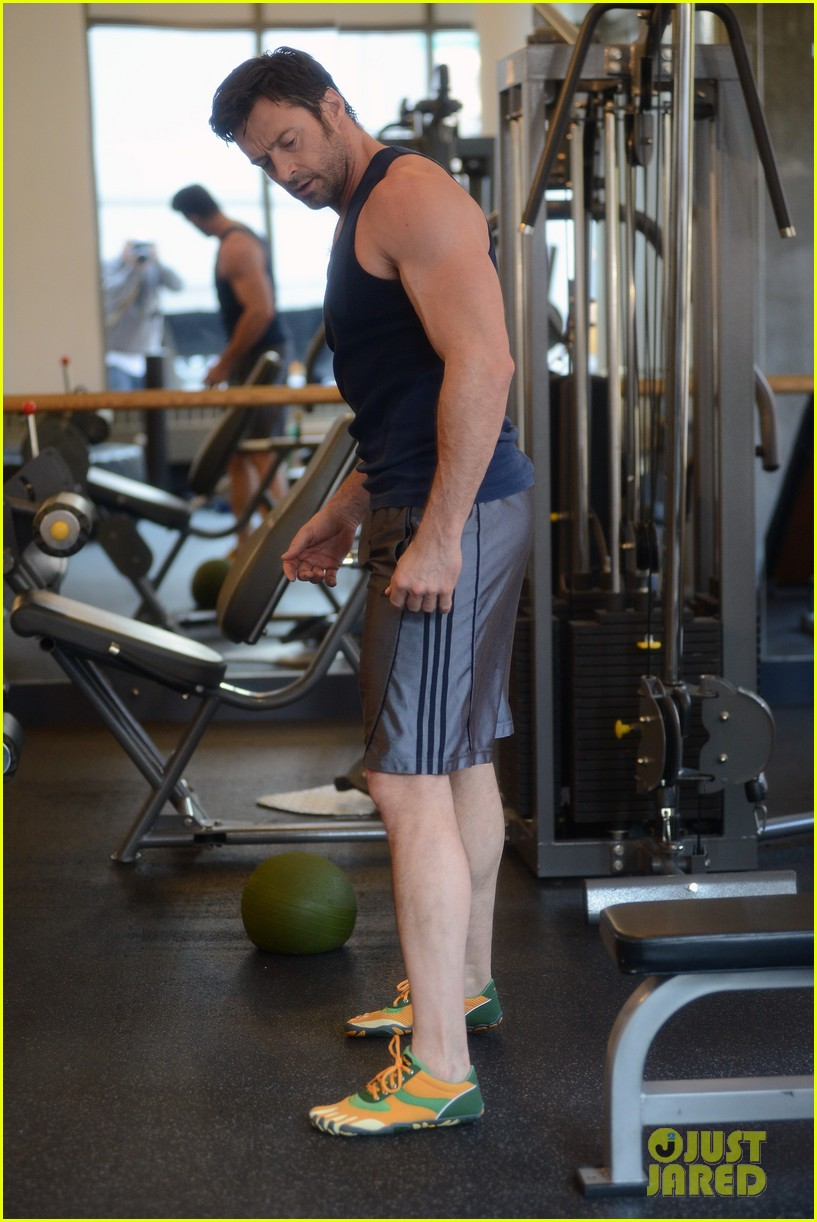 hugh jackman bulging bicep workout 202847041