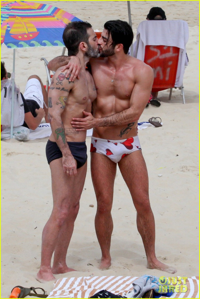 marc jacobs harry louis shirtless speedo pda in rio 022845394