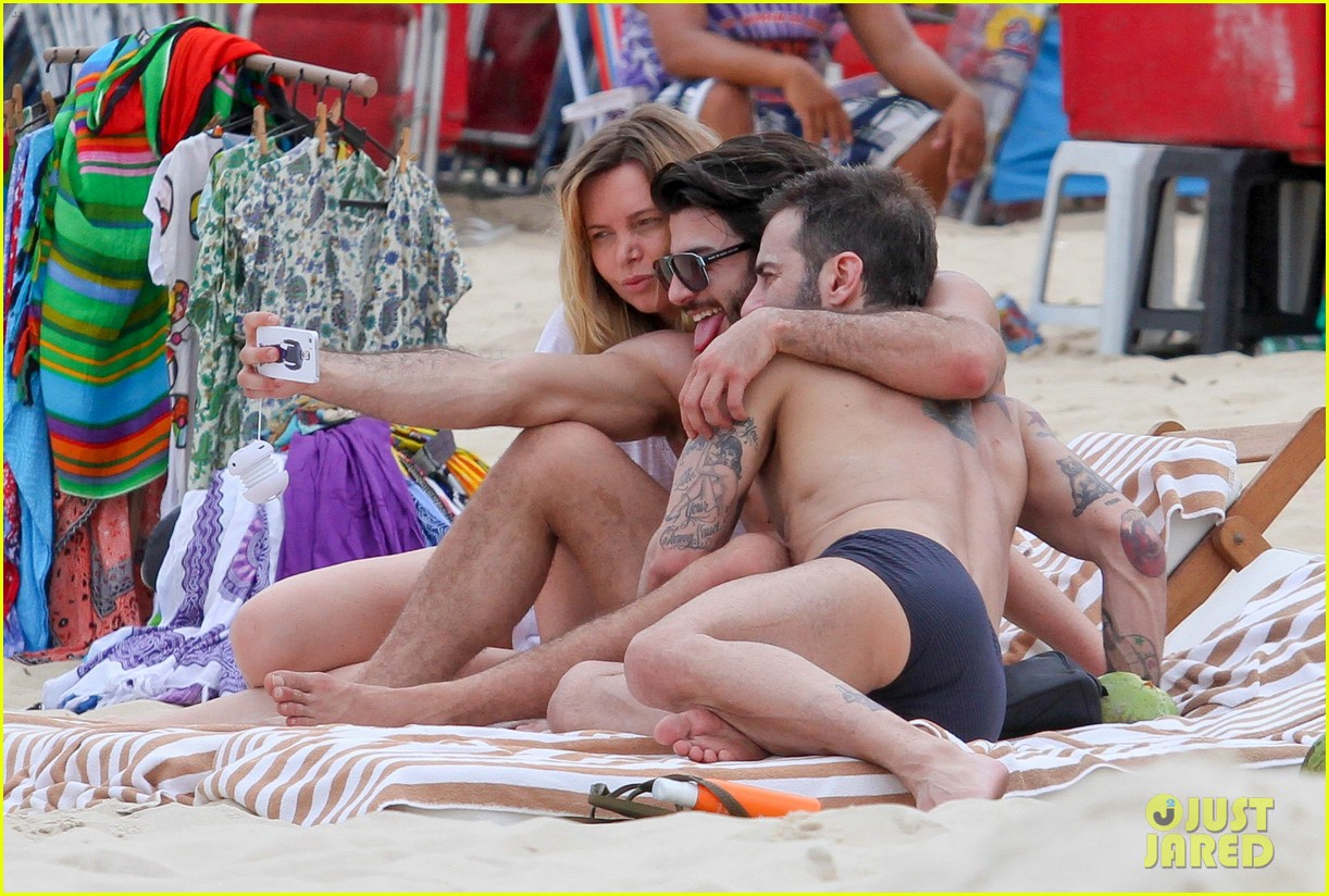 marc jacobs harry louis shirtless speedo pda in rio 06