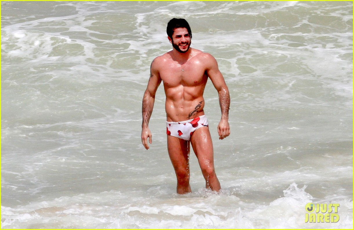 marc jacobs harry louis shirtless speedo pda in rio 082845400
