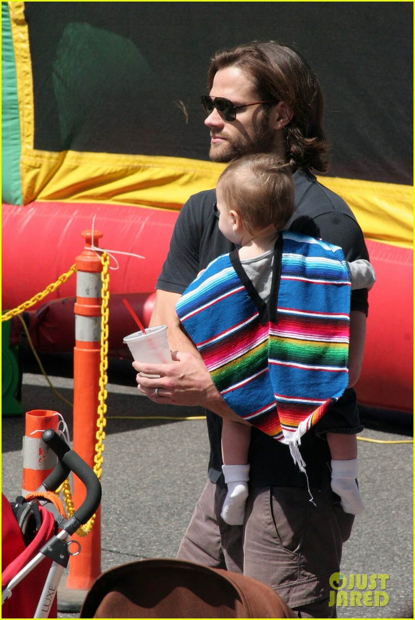 jared padalecki farmers market trip with son thomas 032860398