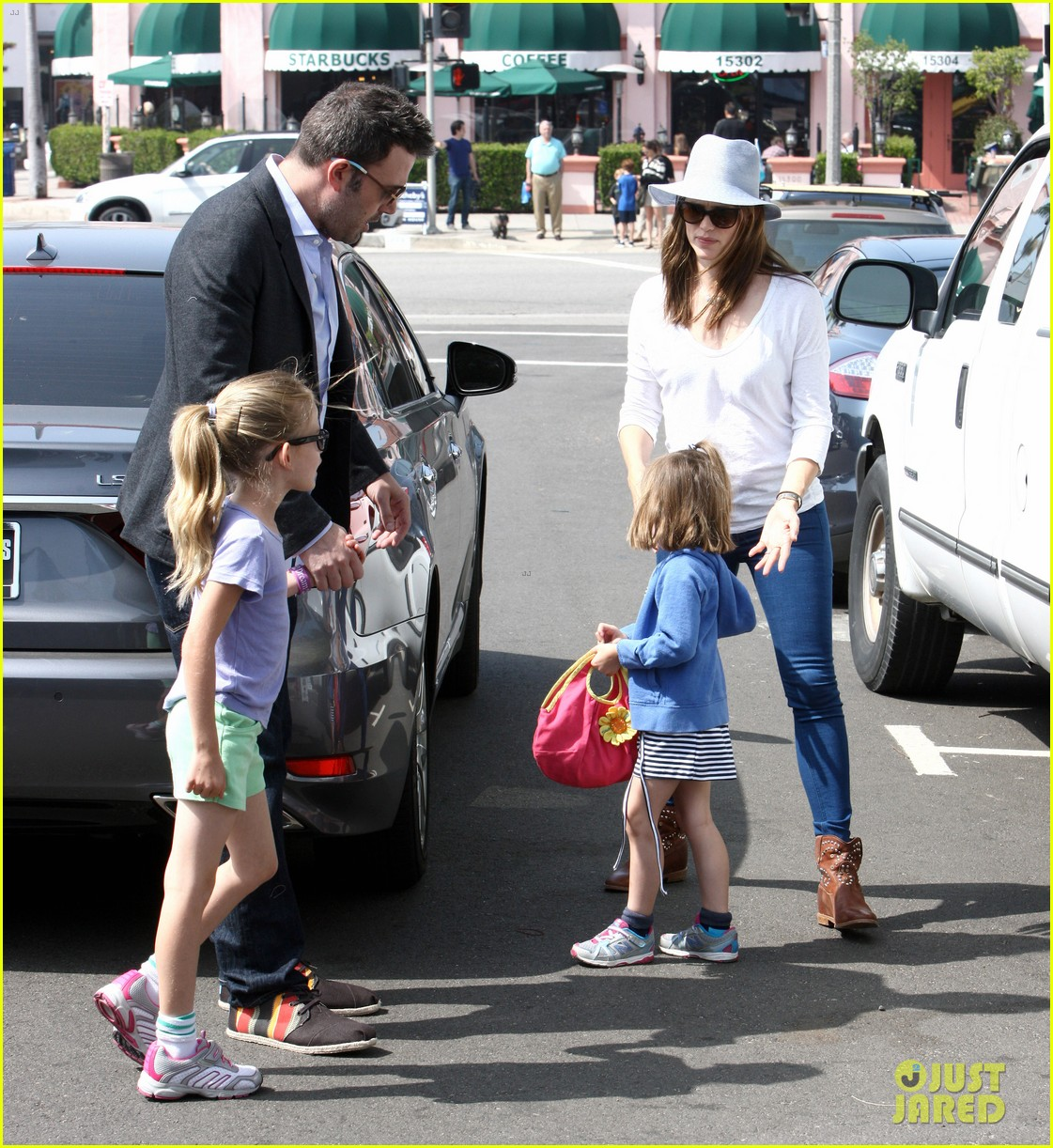 ben affleck jennifer garner track meet with the girls 182860077