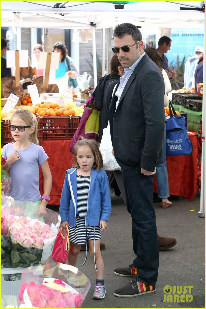 ben affleck jennifer garner track meet with the girls 272860086