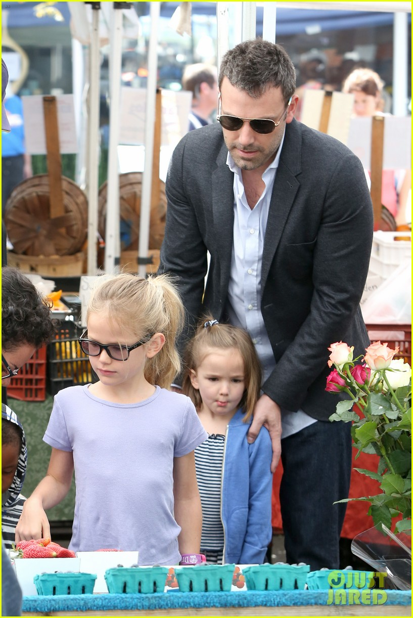 ben affleck jennifer garner track meet with the girls 282860087