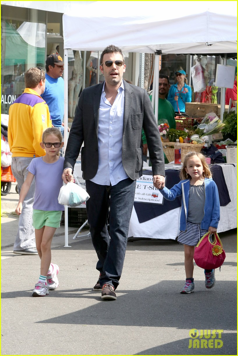 ben affleck jennifer garner track meet with the girls 292860088