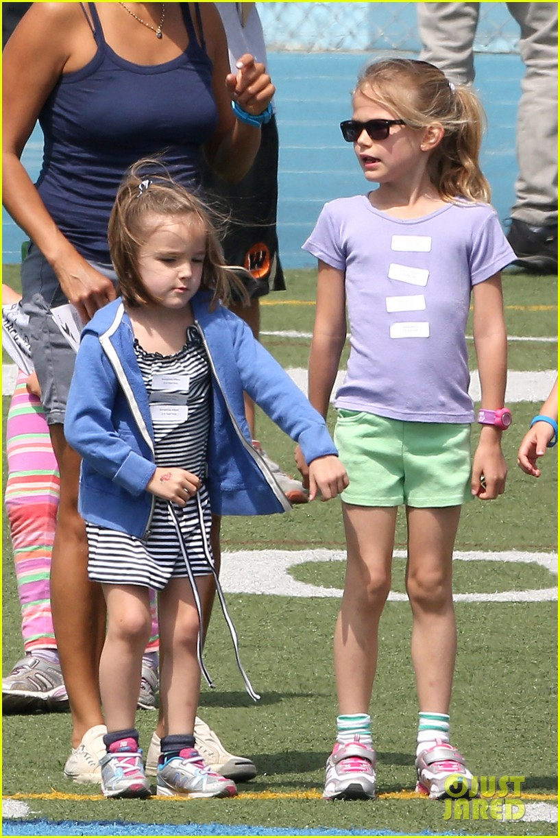 ben affleck jennifer garner track meet with the girls 312860090