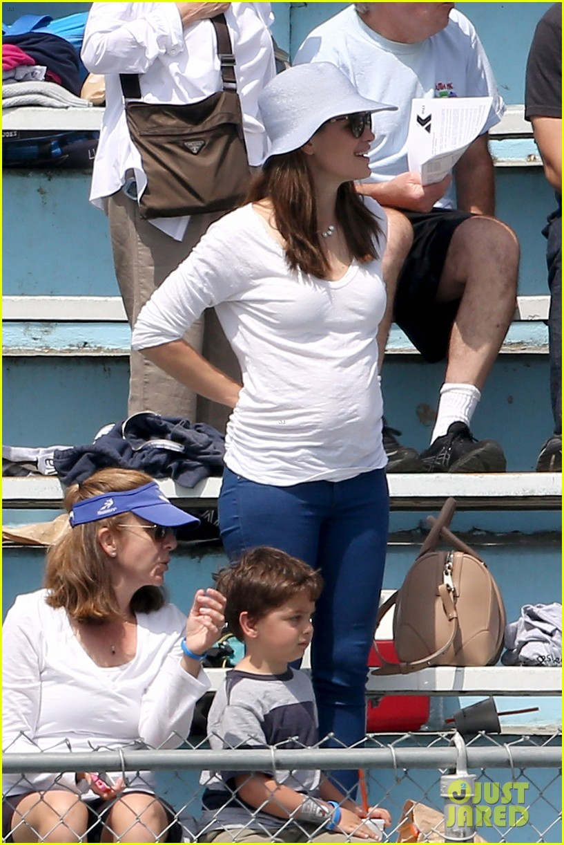 ben affleck jennifer garner track meet with the girls 332860092