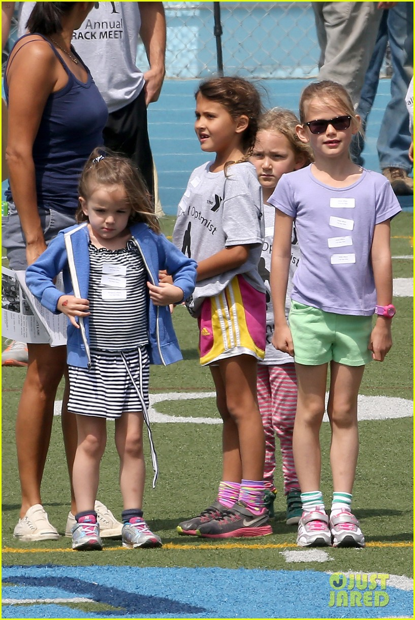 ben affleck jennifer garner track meet with the girls 382860097