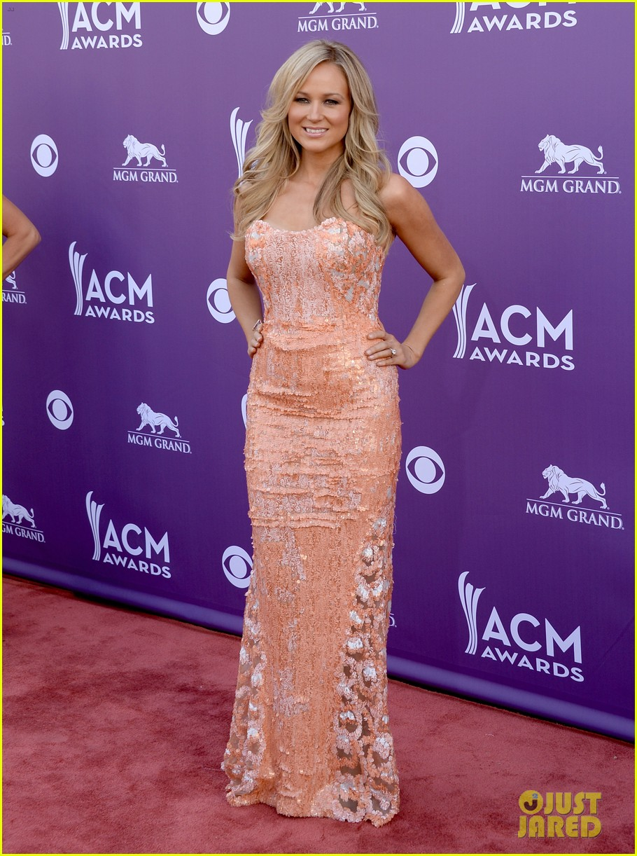 jewel acm awards 2013 red carpet 012845077