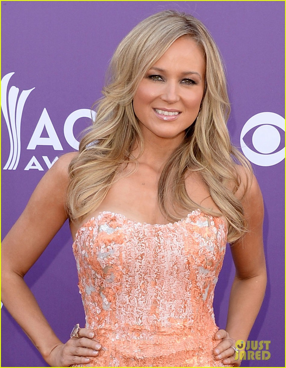 jewel acm awards 2013 red carpet 062845082
