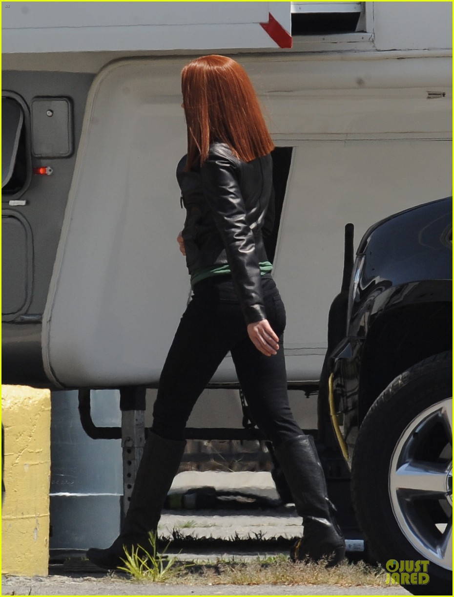 scarlett johannson red hair on captain america the winter soldier set 192856700