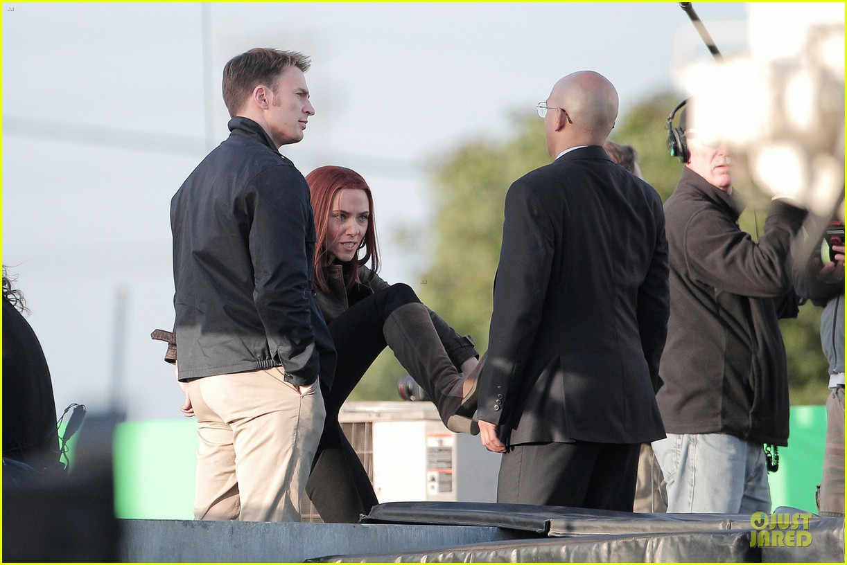 scarlett johansson chris evans captain america the winter soldier confrontations 012861139