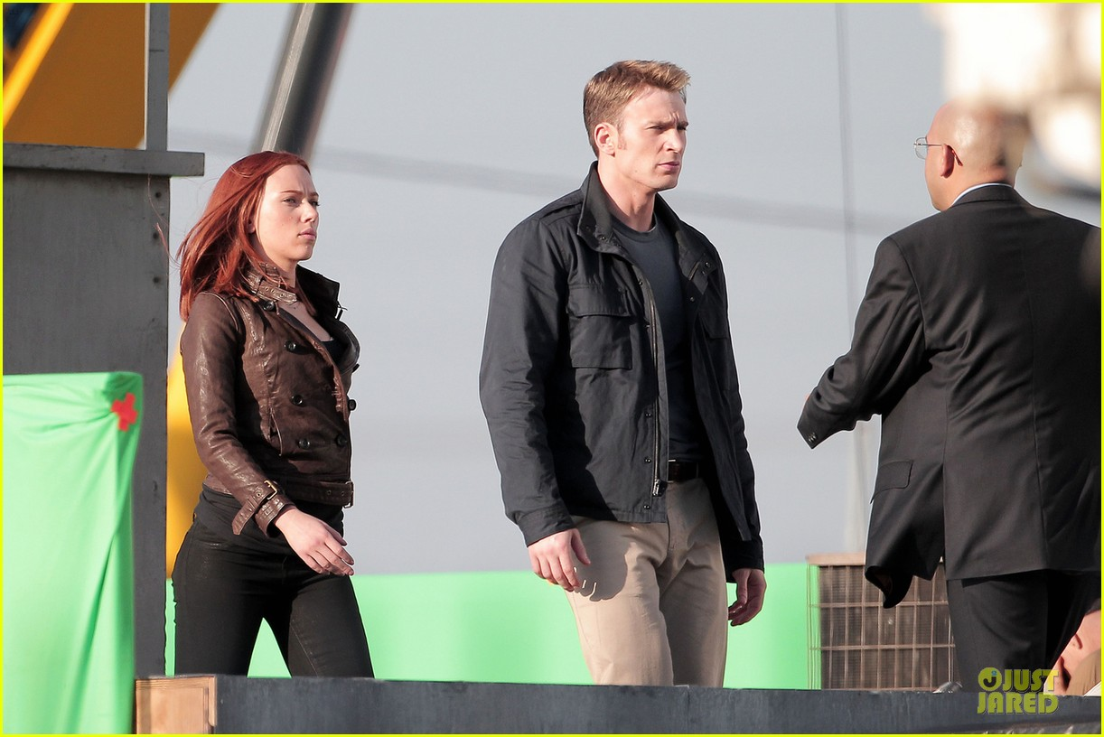 scarlett johansson chris evans captain america the winter soldier confrontations 032861141