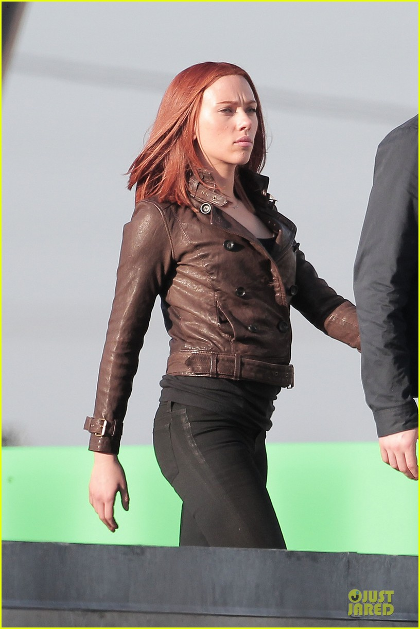 scarlett johansson chris evans captain america the winter soldier confrontations 08