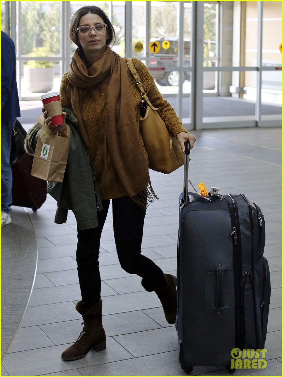 john stamos back to la with angela sarafyan 092841212