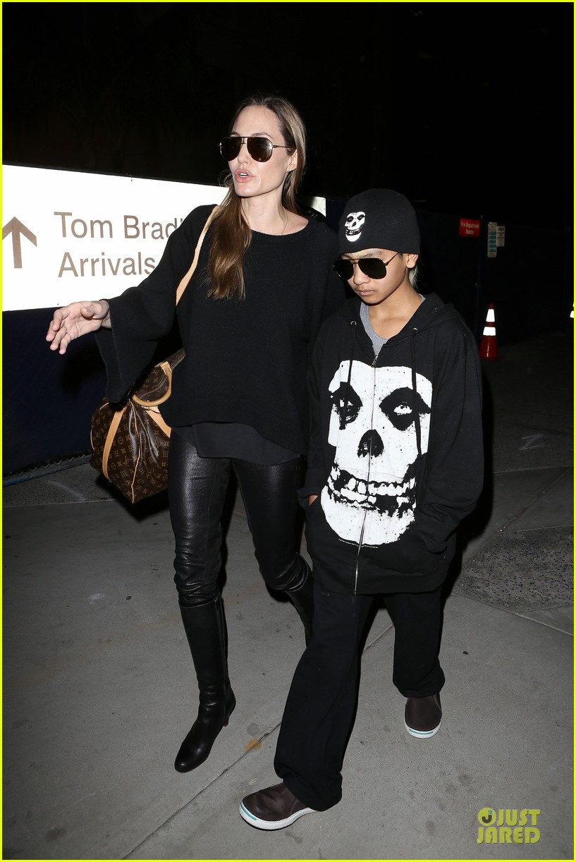 angelina jolie lax arrival with maddox 072848578