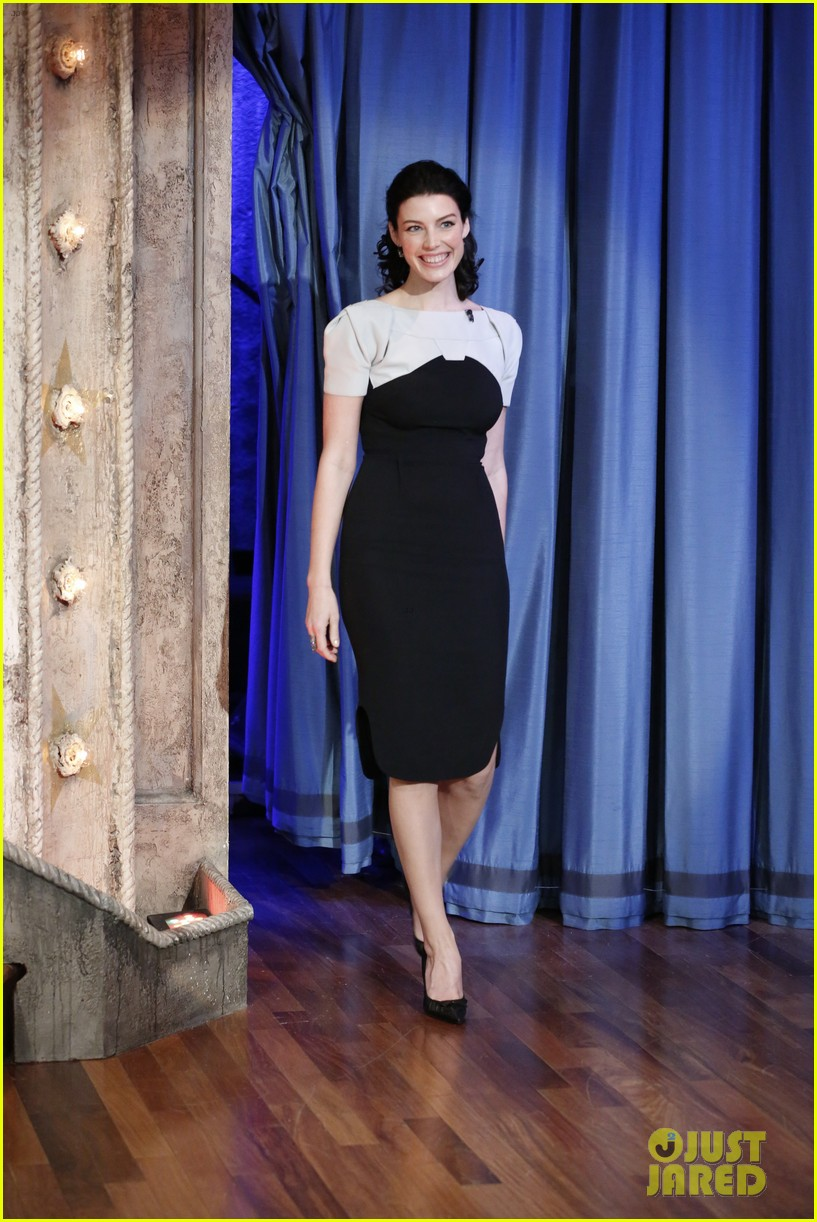 january jones jessica pare 92y talk with matthew weiner 032857784