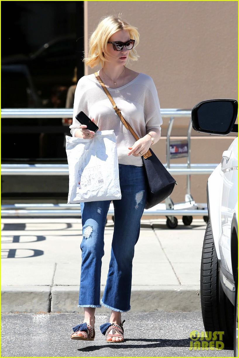 january jones friday fedex stop 012853735