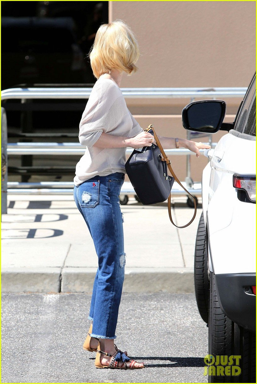 january jones friday fedex stop 032853737